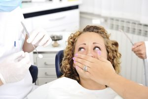 woman-afraid-of-dentist